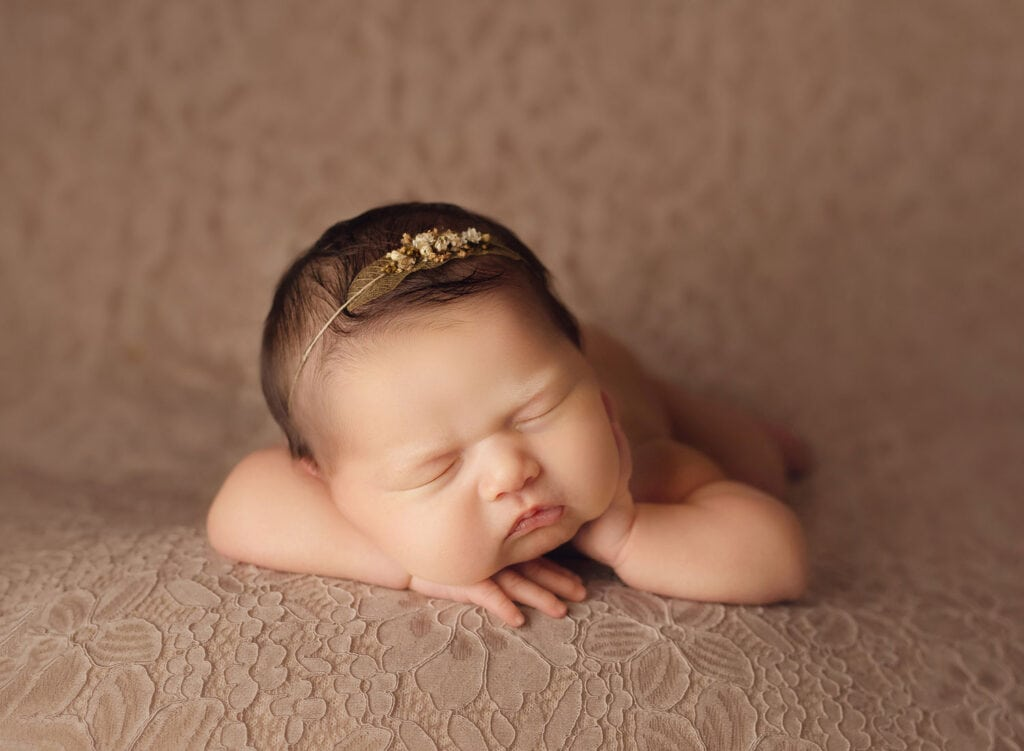 perfect newborn forward facing pose