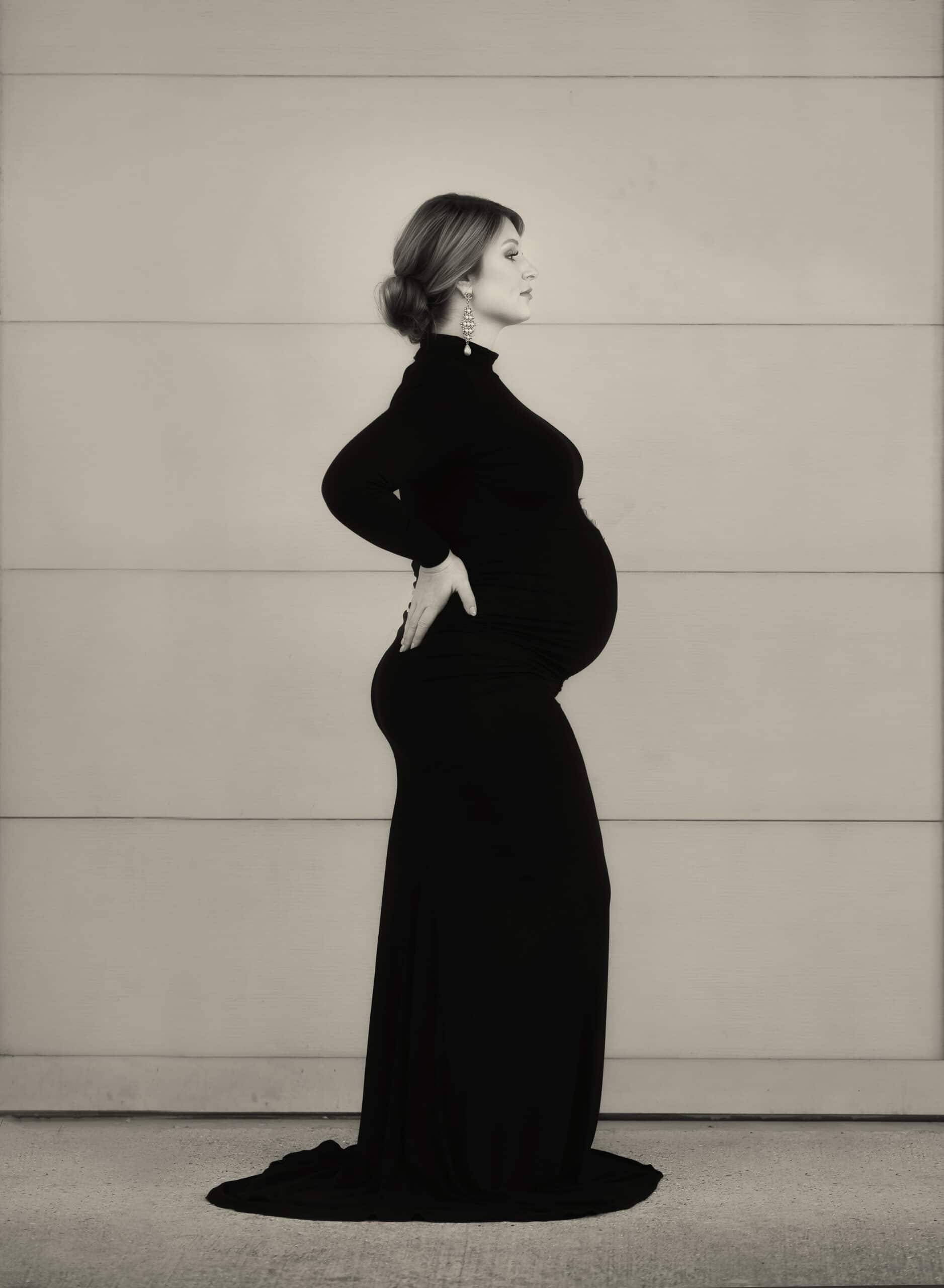 black and white photo of mother to be