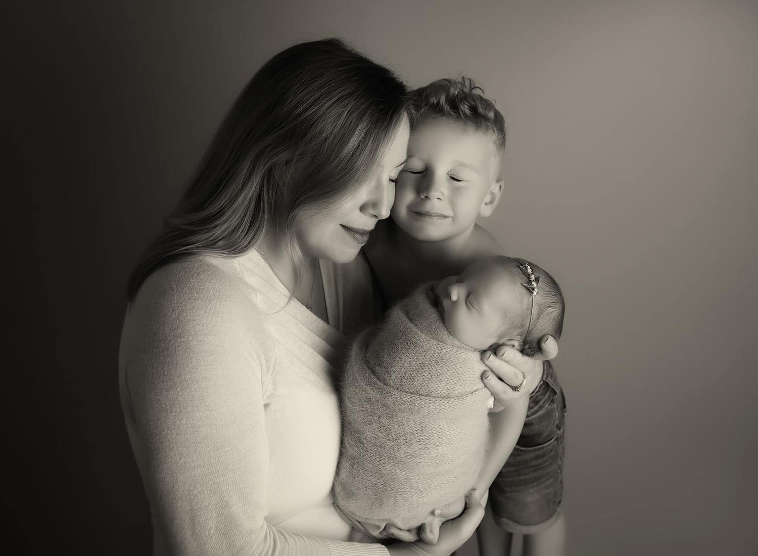 mom with son and baby girl