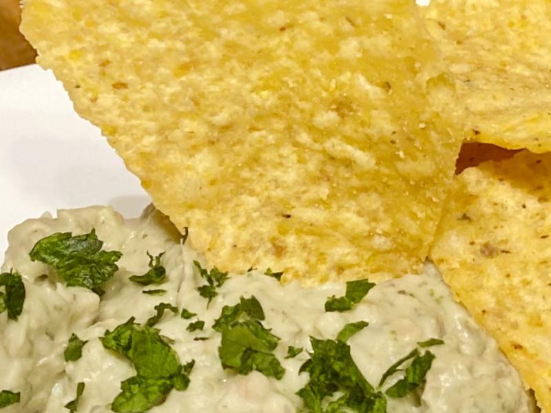 Hummus with Garlic, Basil, and Thyme