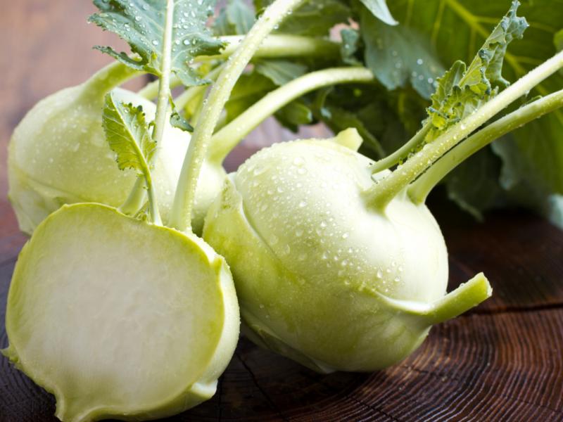 Easy Kohlrabi with Apple and Kale Salad