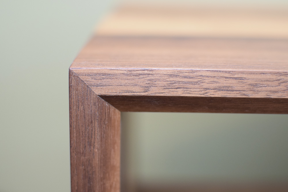 corner miter detail of the walnut and maple open end table