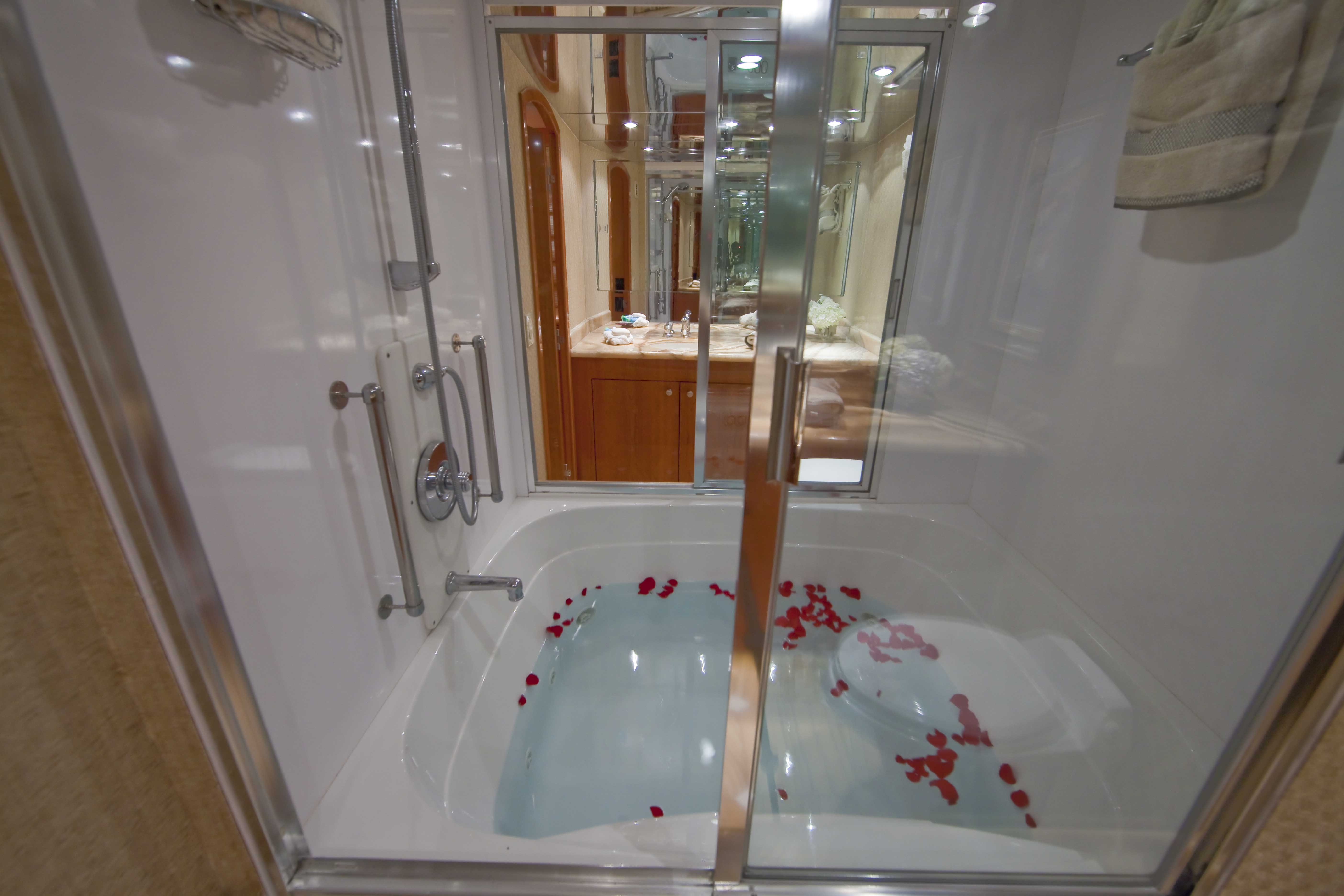 Master His/Hers Bath
