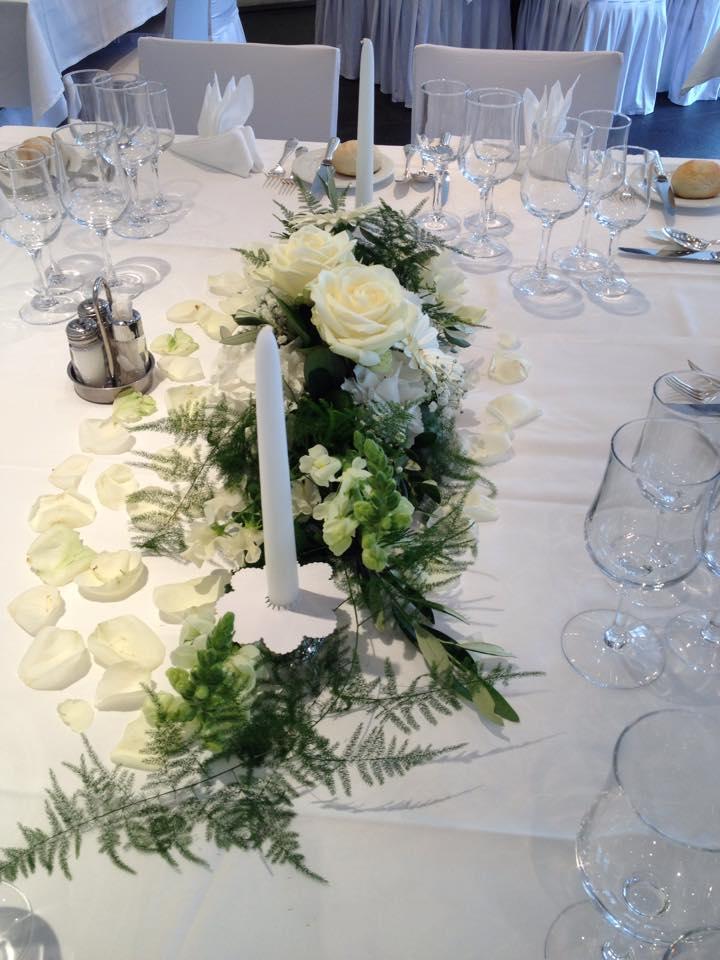 Hochzeit Tischdekoration Blumen Rosen