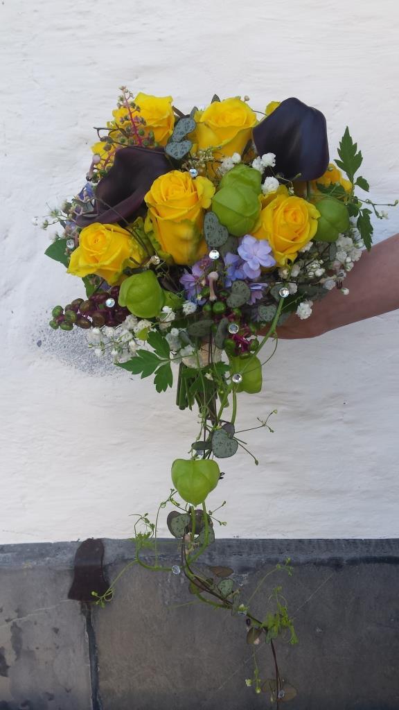Brautstrauss in Gelb und Lila