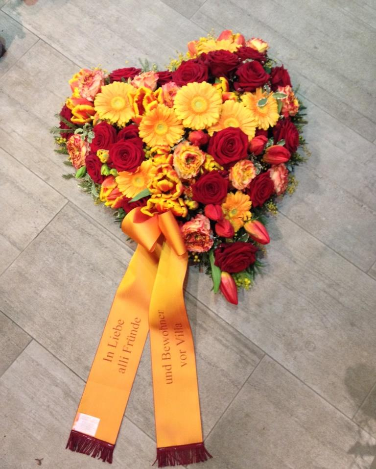 Blumenherz zur Abdankung