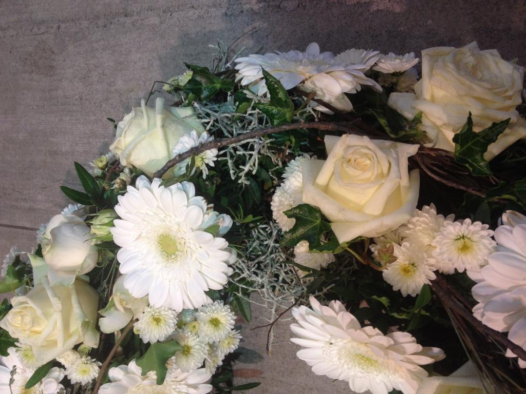 Weiss und Grün Blumenkranz