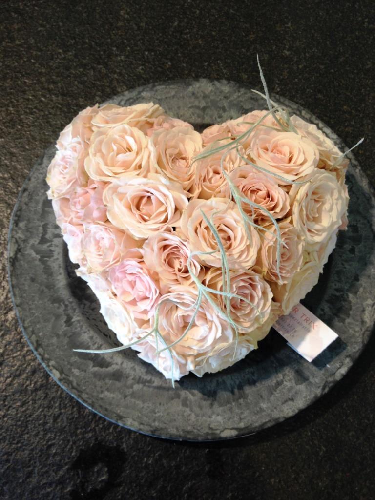 Ein Herz aus Blumen Muttertag Valentinstag