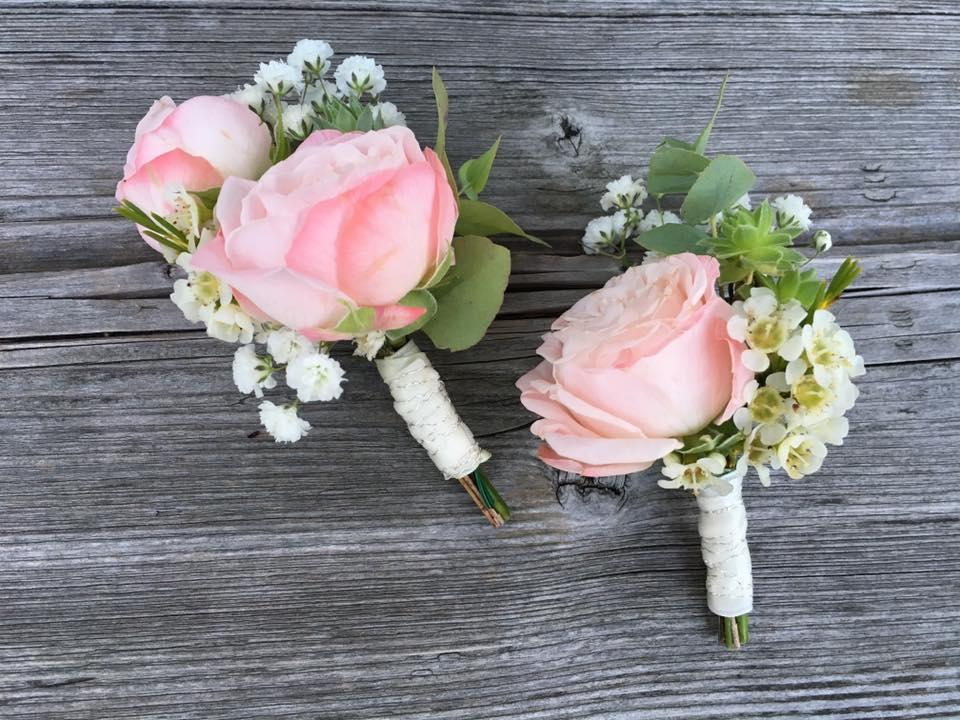 Hochzeiten Ansteckblumen vintage Bullybus