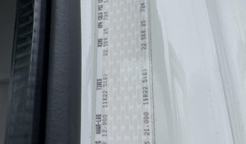 Freightliner M2 w/ Cummins ISB 6.7L full