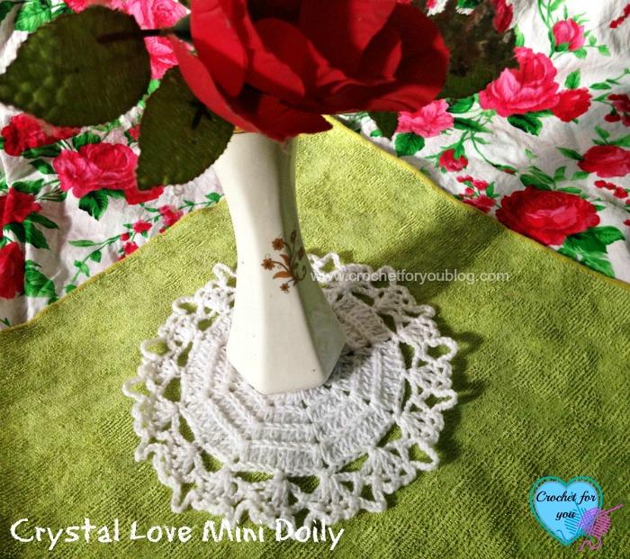 Crystal Love Mini Doily - free pattern