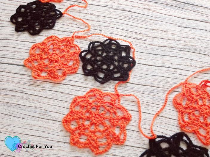 Halloween Crochet Motif Garland - free pattern