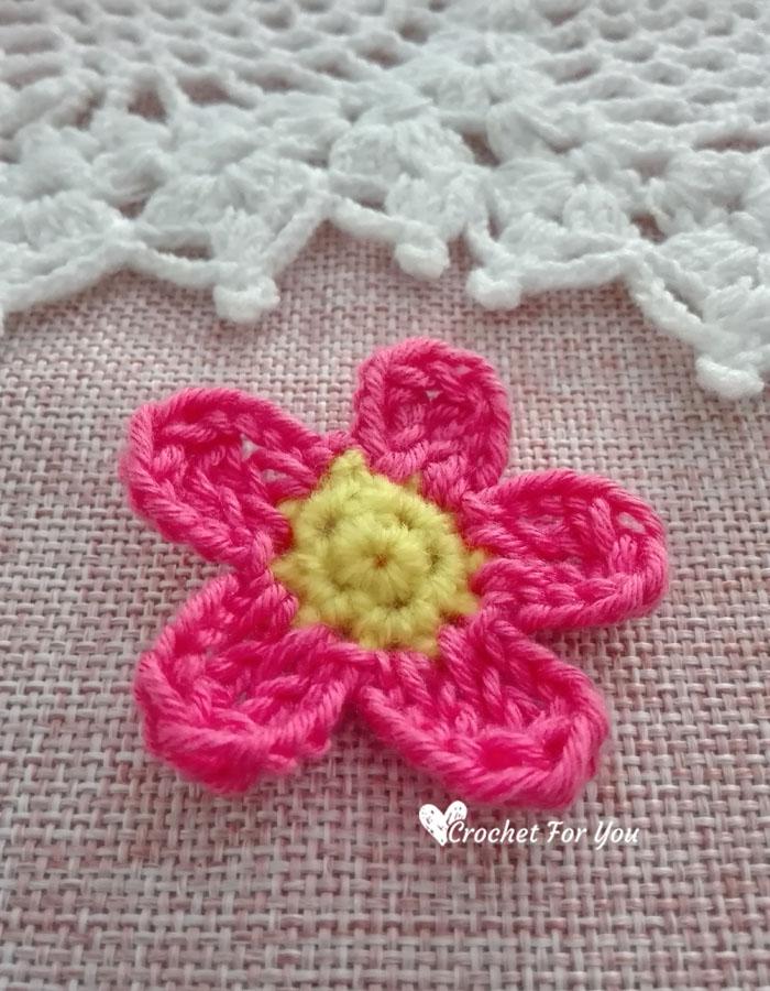 Crochet Simple Flower Applique Free Pattern
