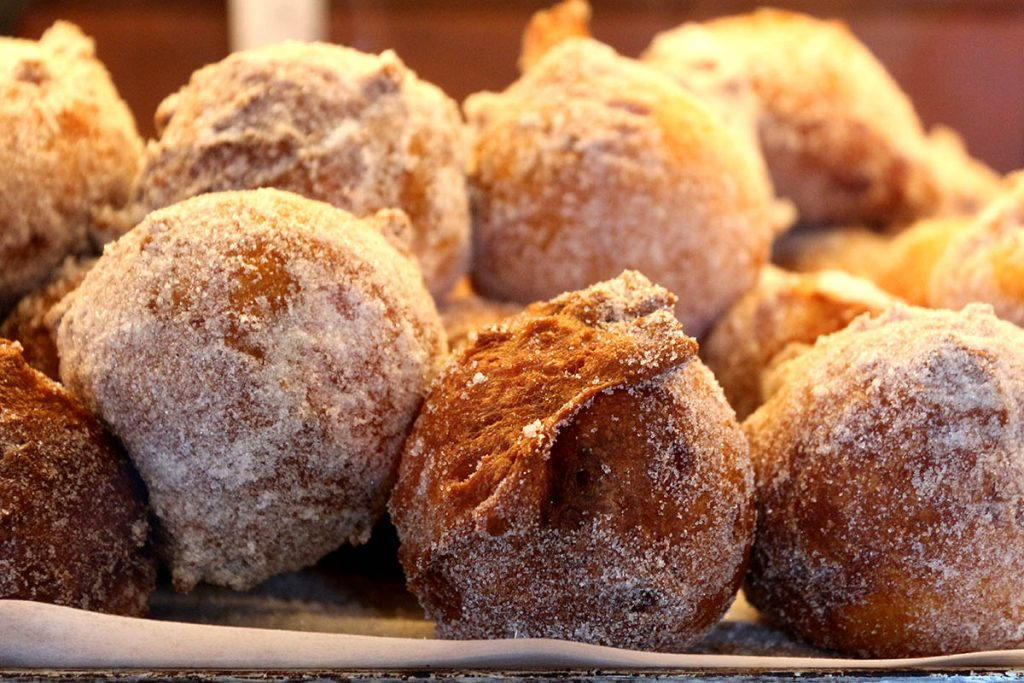 10 MORE DUTCH FOODS YOU SHOULD TRY AT LEAST ONCE- oliebollen