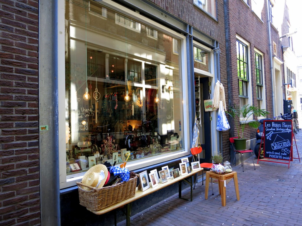 BEST VINTAGE CLOTHING SHOPPING IN AMSTERDAM - Les Petites Puces