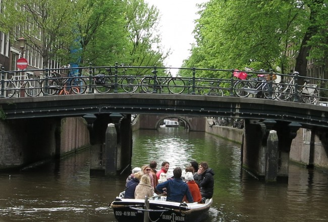 Top 5 Canal Boat Rentals in Amsterdam