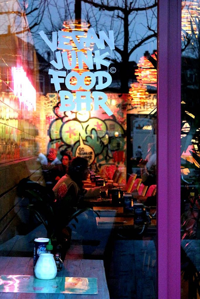Craving kapsalon, nuggets or even a burger but you don't eat meat? Never fear, Vegan Junk Food Bar is here. BEST VEGAN & VEGETARIAN FOOD IN AMSTERDAM