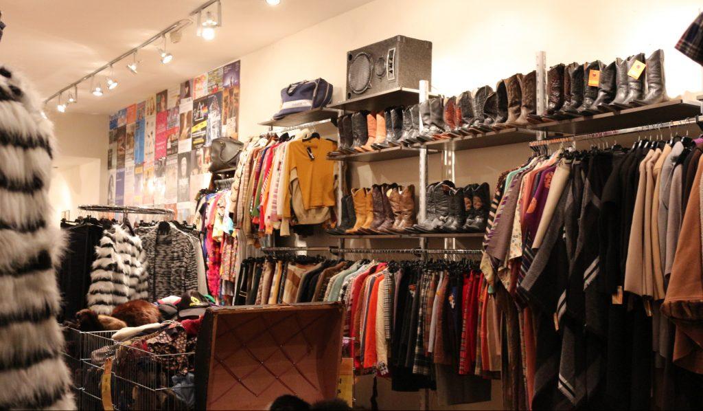 BEST VINTAGE CLOTHING SHOPPING IN AMSTERDAM - vintage bij ons
