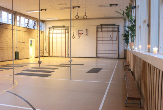 Het Gymlokaal is definitely a place you want to check out if you are into fitness. The spacious 1960s school gymnasiums have been updated to retro modern work out areas.