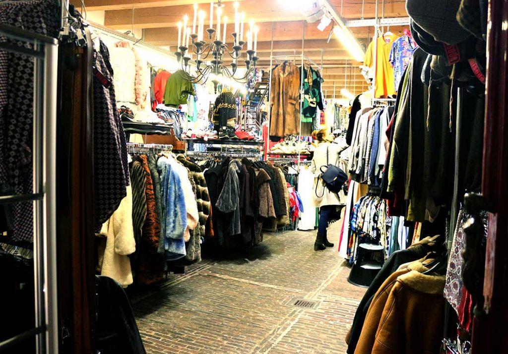 BEST VINTAGE CLOTHING SHOPPING IN AMSTERDAM - Episode Vintage