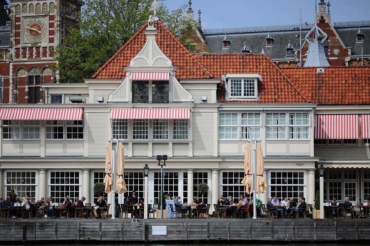 WHERE TO EAT AT AMSTERDAM CENTRAL STATION - Loetje