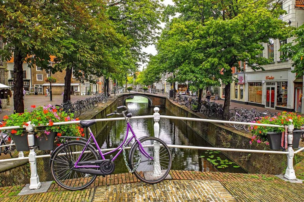 10 Day Trips from Amsterdam in Spring - Delft