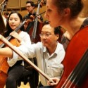 Yo Yo Ma discusses finer points of music with fellow cellists who are members of the Civic Orchestra credit Todd Rosenberg