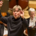Esa Pekka Salonen conducts the Chicago Symphony Orchestra 2013 credit Todd Rosenberg