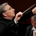 Conductor-Michael-Tilson-Thomas-will-lead-the-Chicago-Symphony-Orchestra-in-Mahlers-Ninth-Symphony.-Stephan-Cohen.