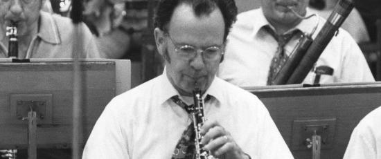 Ray Still, principal oboe of the Chicago Symphony 1954-1993, rehearsing onstage (facebook.comraystilloboist)