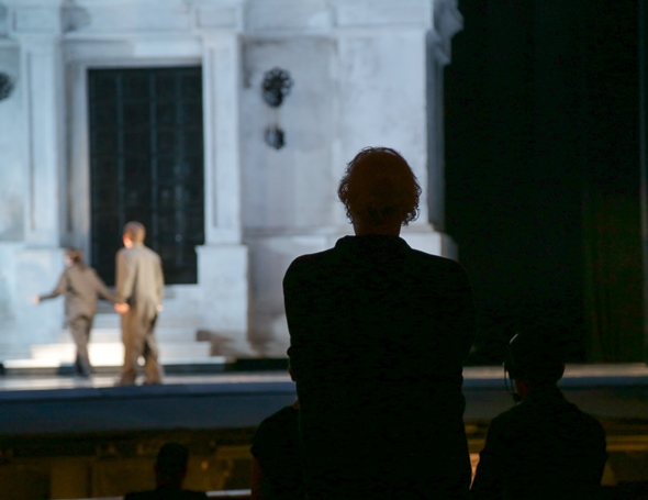 Director Robert Falls watches a 'Don Giovanni' rehearsal from the audience perspective. (Andrew Cioffi)