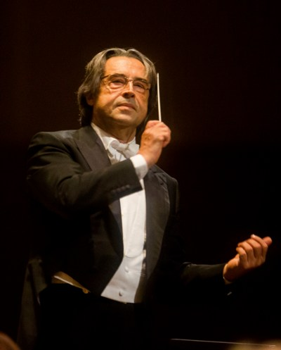 Conductor Riccardo Muti began the Chicago Symphony's first Paris program with Mendelssohn's 'Calm Sea and Prosperous Voyage' at Salle Pleyel. (Todd Rosenberg)
