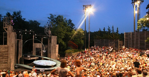 """American Players' outdoor Up-the-Hill Theatre will be scene of """"A Streetcar Named Desire."""" (Courtesy American Players Theatre)"""