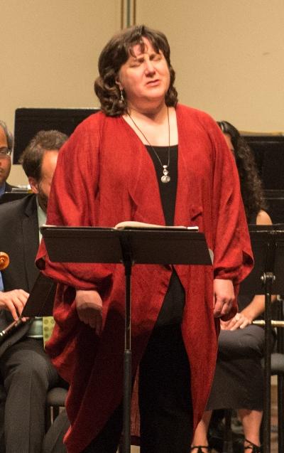 The spotlight was on soprano Dawn Upshaw in a program with the Knights at the Ravinia Festival. (Ravinia, Pedro de Jesus)