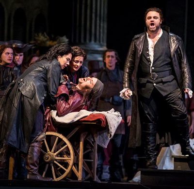 As his dear friend Mercutio (Joshua Hopkins) expires, Romeo (Joseph Calleja) vows instant vengeance. (Todd Rosenberg)