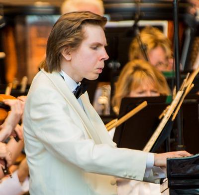 Pianist Juho Pohjonen revealed an easy affinity for Chopin's romantic spirit. (Norman Timonera)