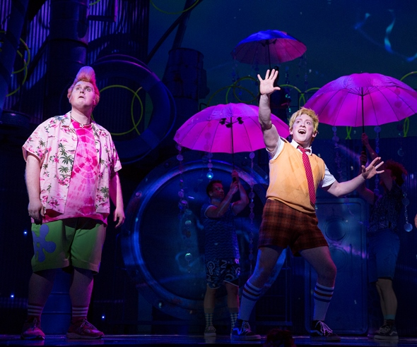 Patrick Star (Danny Skinner) tries to see the good day that SpongeBob SquarePants (Ethan Slater) is singing about. (Joan Marcus)