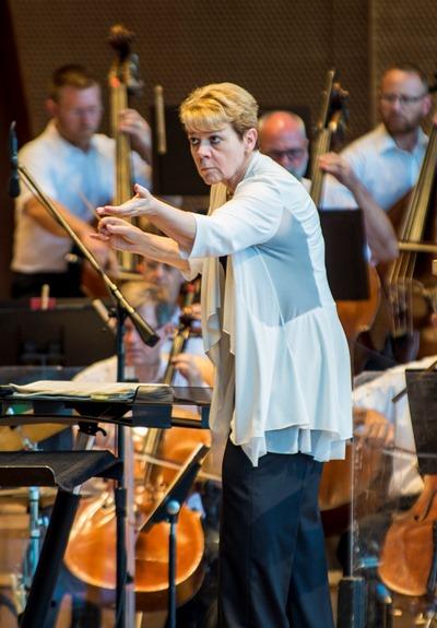 Marin Alsop conducted Dvořák's 'New World' Symphony. (Norman Timonera)