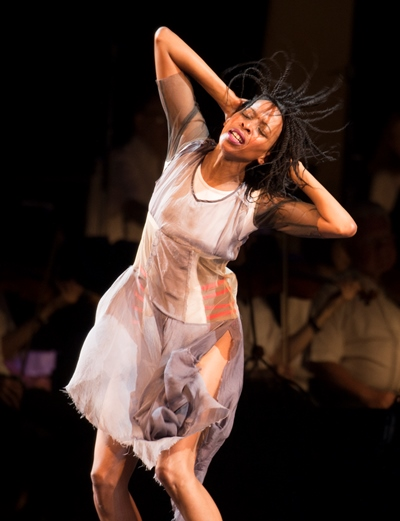 Dancer Jackie Manyaapelo portrayed one searching for personal identity. (Patrick Gipson/Ravinia)