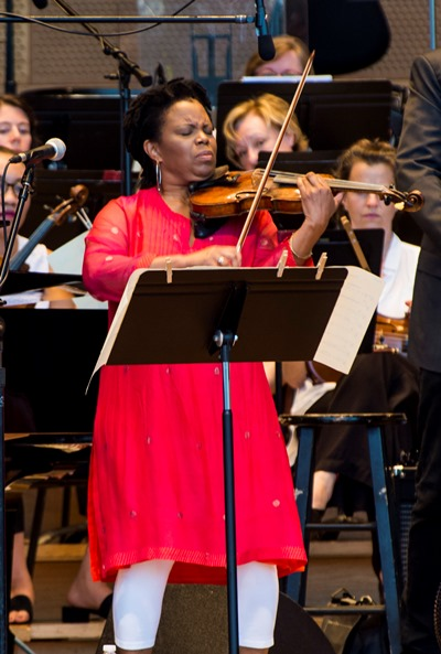 Jazz violinist Regina Carter performed with the orchestra and her quartet. (Norman Timonera)