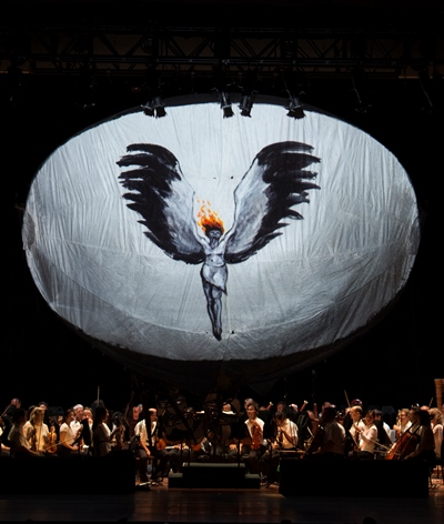 An egg-shaped form served as multipurpose video display. (Patrick Gipson/Ravinia)