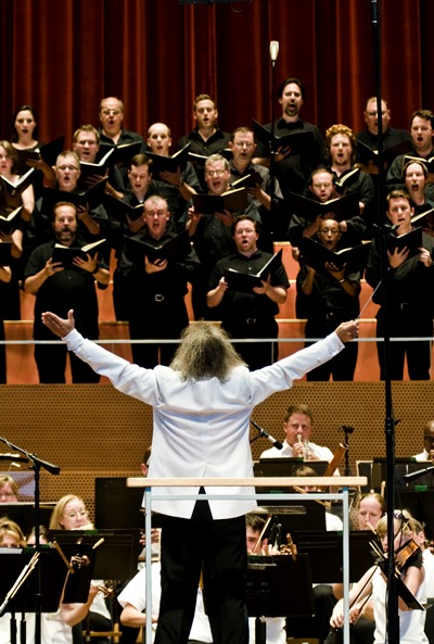 Carlos Kalmar conducted the Grant Park Orchestra and Chorus. (Norman Timonera)