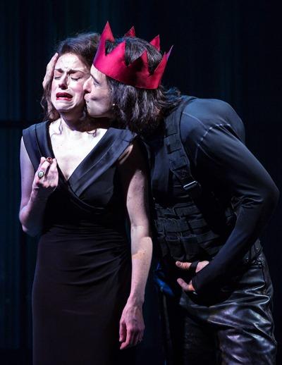 King Richard III (Timothy Edward Kane) negotiates with a tender kiss. (Liz Lauren)