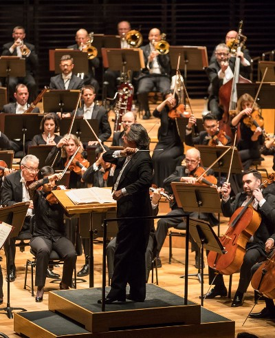 """Riccardo Muti presided over an account of """"Pictures an at Exhibition"""" that wowed the Paris audience. (Todd Rosenberg)"""