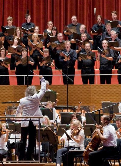 Carlos Kalmar will lead the Festival Orchestra and Chorus in a Haydn mass.