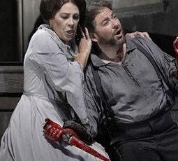Feature 4 8 - LOC Macbeth - Sondra Radvanovsky as Lady Macbeth and Craig Colclough as Macbeth - photo Ken Howard - MACB_0325