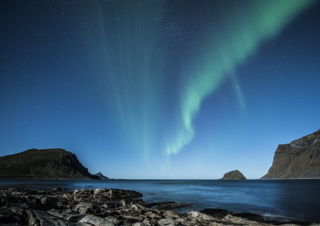 aurora-borealis-lofoten-norway-night