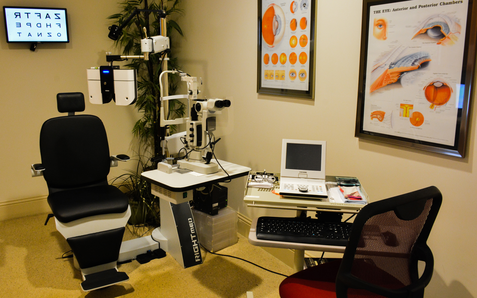 #1 - Exam room with digital equipment at Eye Clinic of Vero