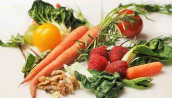 blog-image-three-vitamins-minerals-acne