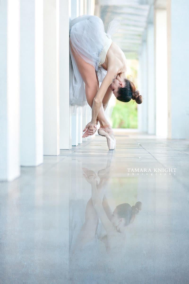 Ballet photo shoot, orlando photographer, sunrise shoot, beautiful dancer, street ballet. For more visit www.tamaraknight.com